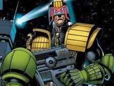Primer vistazo al traje de Judge Dredd y la moto Lawmaster