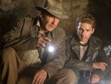 Shia LaBeouf dice que Indiana Jones 5 pasará pronto