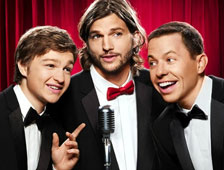 Primera foto de Ashton Kutcher en el conjunto de Two and a Half Men