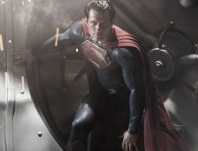 Fotos: Henry Cavill sin camisa en el set de Man of Steel