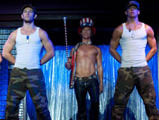 Channing Tatum y Alex Pettyfer son strippers sin camisa en fotos de Magic Mike