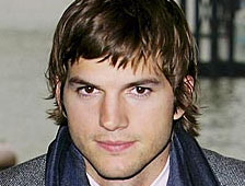 Ashton Kutcher es Steve Jobs en el  biopic Jobs