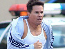 Primer Vistazo: Mark Wahlberg musculoso en Pain and Gain de Michael Bay