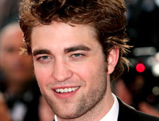 Robert Pattinson va a cazar a Saddam Hussein en Mission: Black List