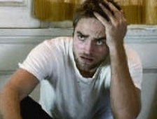Fotos: Robert Pattinson recrea a Videodrome, Dead Ringers y scanners de David Cronenberg