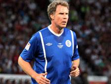 Will Ferrell y Gordon Ramsay se lastiman durante un partido de fútbol para la caridad