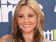 Amanda Bynes en tercer accidente, escapa del lugar de accidente