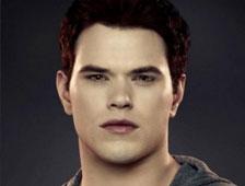 Kellan Lutz dice que The Twilight Saga: Breaking Dawn - Part 2 tiene escena post-créditos