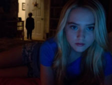 Escena post-cr&eacute;ditos de Paranormal Activity 4 a mostrar un clip del spin-off Latino 