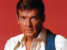 Roger Moore dice que Daniel Craig es el mejor James Bond