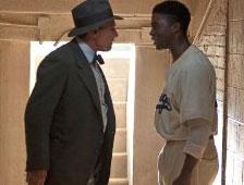 Trailer para la película biográfica 42 de Jackie Robinson, con Harrison Ford