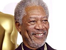 Vídeo: Morgan Freeman se duerme durante entrevista de TV en vivo