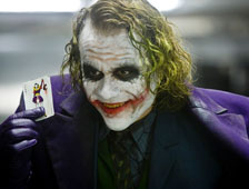 Video: El padre de Heath Ledger muestra el diario del Joker de Heath en The Dark Knight