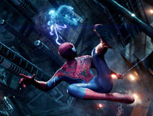 Spider-Man lucha contra villanos en un nuevo poster y fotos de The Amazing Spider-Man 2
