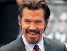 Josh Brolin dice que casi es Batman en Batman vs Superman