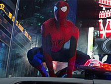 Fotos: Se retira una estatua de Spider-Man con erección
