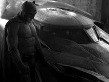 Fotos: el traje de Batman de Batman v Superman: Dawn of Justice se exhibe en Comic-Con