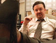 Ricky Gervais a convertir la serie de televisión The Office en una pelicula