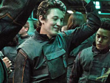 Miles Teller se disculpa por criticar Divergent