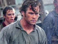 Trailer: Chris Hemsworth lucha contra una ballena en In the Heart of the Sea de Ron Howard