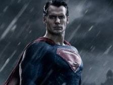 Fotos: Supermán rescata a Lois Lane en el set de Batman v Superman: Dawn of Justice