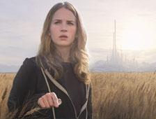 Anuncio de TV durante el Super Bowl para la película de ciencia ficción Tomorrowland con George Clooney