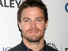 "El protagonista de ""Arrow"", Stephen Amell, dará vida a Casey Jones en ""Teenage Mutant Ninja Turtles 2"""