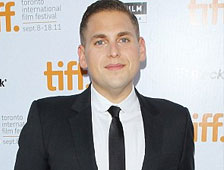 "Fotos: Un muy pesado Jonah Hill en el set de ""Arms and the Dudes"""