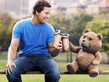 Ted 2 fracasa en taquilla, Jurassic World continúa en cabeza