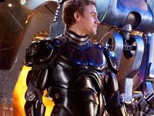 Charlie Hunnam dice que Pacific Rim 2 tiene que centrarse más en la historia y menos en los efectos visuales